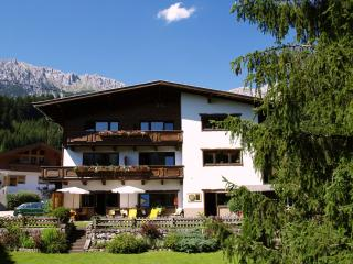 Comfortable Ski chalet with Internet Access and Satellite Or Cable TV - Scheffau am Wilden Kaiser vacation rentals