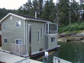 Arbutus Mist -2Bdrm Float Home at Maple Bay Marina - Duncan vacation rentals