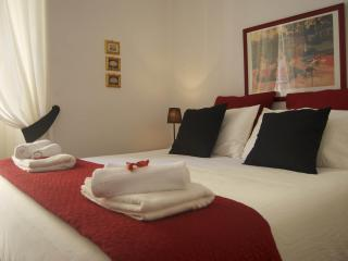 HF ST. JOHN HOLIDAY APARTMENT - Rome vacation rentals