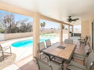 Spacious 3bed/3bath home w/ Heated Pool - Lake Havasu City vacation rentals