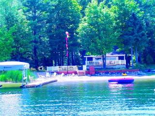 Waterfront Lake Charlevoix with 3 Boats,Dock,Decks - East Jordan vacation rentals