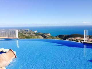 Panorama Suite - Alicante vacation rentals