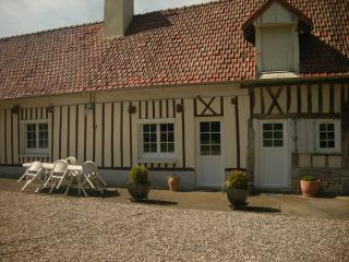 Cozy 2 bedroom Luneray Gite with Parking - Luneray vacation rentals