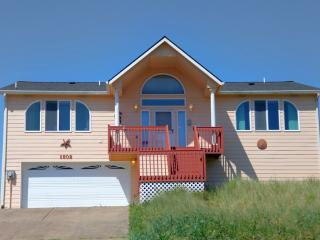 Ocean Front Home on a Sandy Beach! FREE Night! - Waldport vacation rentals