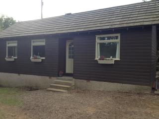 Comfortable 2 bedroom Stirling Chalet with Garden - Stirling vacation rentals