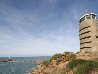 Bright 3 bedroom Tower in Saint Brelade with Television - Saint Brelade vacation rentals