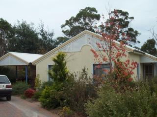Panorama Estate - Holiday Cottage #2 (Wattle) - Legana vacation rentals