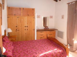 Cozy 3 bedroom Pinos del Valle House with Internet Access - Pinos del Valle vacation rentals