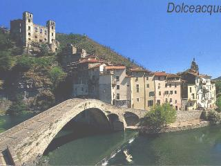 Nice House with Internet Access and Outdoor Dining Area - Dolceacqua vacation rentals