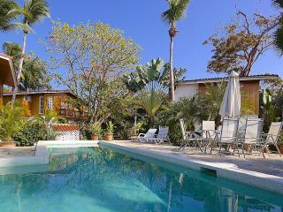 Comfortable 1 bedroom Contadora Island Villa with Internet Access - Contadora Island vacation rentals