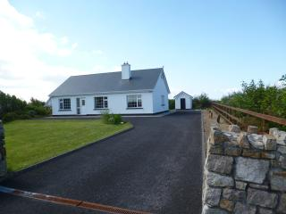 Lovely 3 bedroom Bungalow in Belmullet - Belmullet vacation rentals