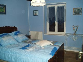 3 bedroom Gite with Television in Neuf Eglise - Neuf Eglise vacation rentals