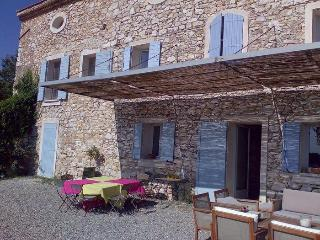Apartment Couteron with Pool, in Aix en Provence - Saint-Cannat vacation rentals
