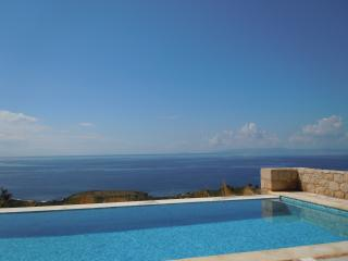 Beautiful 3 bedroom Stoupa Villa with Internet Access - Stoupa vacation rentals