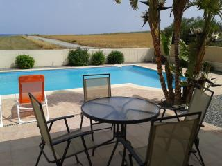 3 bedroom villa with wifi, pool and seaviews - Pervolia vacation rentals