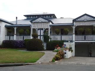 5br/3 bath elegant home in Brisbane's southside - Eight Mile Plains vacation rentals