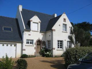 Nice House with Washing Machine and Central Heating - Tregastel vacation rentals
