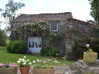 Perfect Gite with Internet Access and Satellite Or Cable TV - Saint Projet vacation rentals