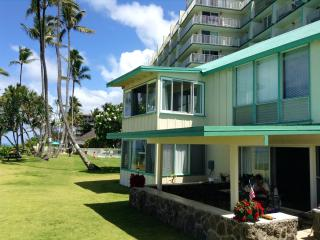 Beautiful Beachfront Cottage in Tropical Paradise - Hauula vacation rentals