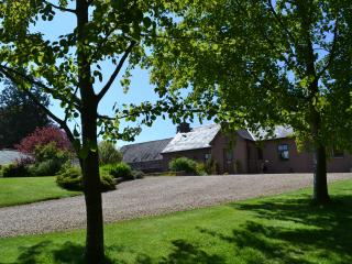 """Garden Cottage  """"The Best Cottage We've Stayed At"""" - Turriff vacation rentals"""
