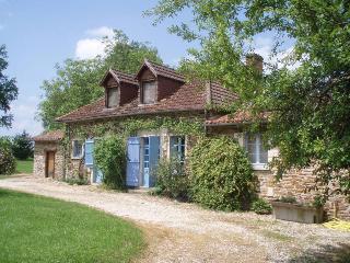 Jolie fermette avec piscine privée pour 2-10 p - Saint-Jory-de-Chalais vacation rentals
