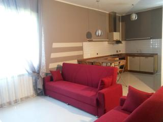 Romantic 1 bedroom Castelnuovo Magra Condo with Internet Access - Castelnuovo Magra vacation rentals