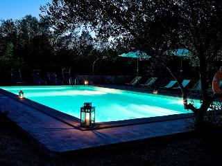 Country villa where Tuscany and Umbria meet - Agello vacation rentals