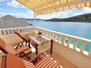 Beautiful apartment near the sea - Vinisce vacation rentals