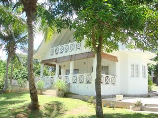 Comfortable 2 bedroom Cottage in Au Cap with Internet Access - Au Cap vacation rentals
