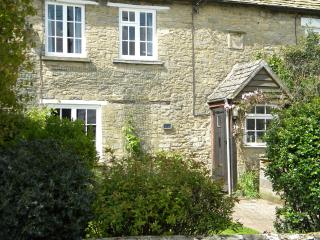 Nice Cottage with Internet Access and Central Heating - Long Hanborough vacation rentals