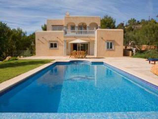 Beautiful 4 bedroom, 8 person villa in San Jose - Ibiza Town vacation rentals