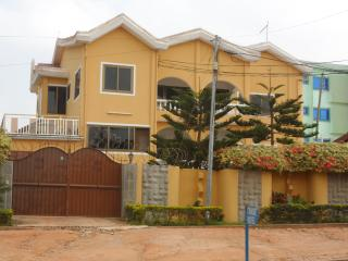 Angela Holiday letting - Accra vacation rentals