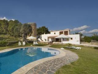 Classic Ibiza villa minutes from Ibiza Town, 9 ppl - Ibiza Town vacation rentals