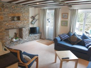 Cozy 2 bedroom Modbury Cottage with Internet Access - Modbury vacation rentals