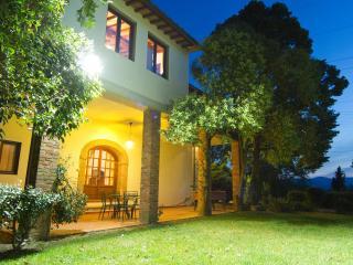 Boutique apartment on exclusive winery estate - Terranuova Bracciolini vacation rentals