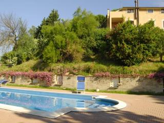 Agr. Casale di Colle - triloca - Torrita Tiberina vacation rentals