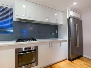 Perfect 1 bedroom South Perth Apartment with Internet Access - South Perth vacation rentals