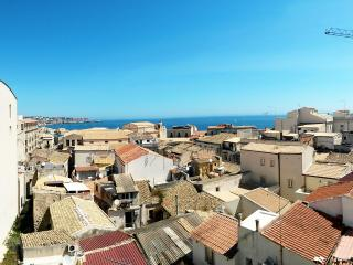 Vista Mare - Seaview over the roofs of Ortigia - Syracuse vacation rentals