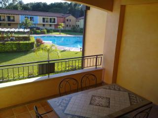 Appartam. con veranda su piscina (su richiesta B&B - Policoro vacation rentals