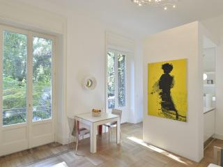 EXCLUSIVE PARK VIEW IN THE HEART OF MILAN - Milan vacation rentals