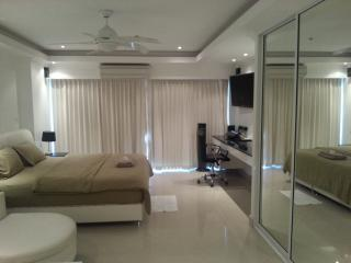 Luxury Studio Pattaya central2, Seaview - Pattaya vacation rentals