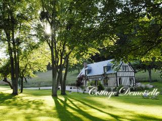 2 bedroom Cottage with Internet Access in Les Champeaux - Les Champeaux vacation rentals