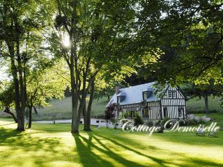 Comfortable 2 bedroom Cottage in Les Champeaux - Les Champeaux vacation rentals
