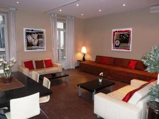 La Poste, Superb Cannes 3 Bedroom Apartment by the Palais des Festivals - Cannes vacation rentals