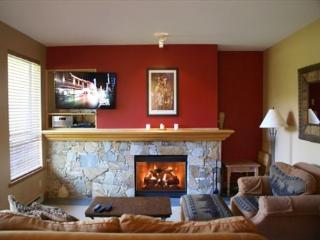 Alpine Greens 27 - Golf course views located on free shuttle route - Whistler vacation rentals