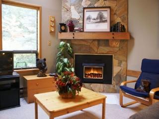 Cedar Hollow 9 - Quiet mountainside forest location - Whistler vacation rentals