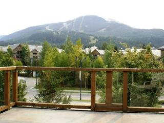 Glaciers Reach 11 - In the village on free shuttle route, includes free wifi - Whistler vacation rentals