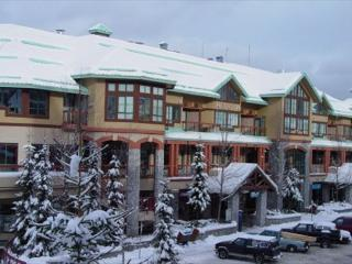 Market Pavilion 313 - Village North studio, close to everything, full kitchen - Whistler vacation rentals