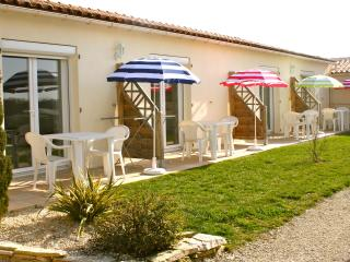 Nice Gite with Internet Access and Television - Jonzac vacation rentals