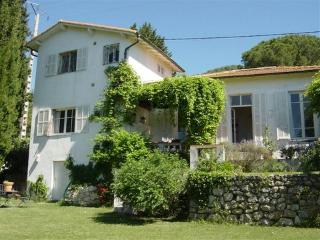 JdV Holidays Villa Lavande, charming old villa in peaceful location without pool - Vence vacation rentals